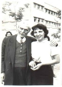 Jabar Baghcheban (maestro oyente, fundador de la educación de sordos en Irán) y su hija Samineh, continuadora de su obra